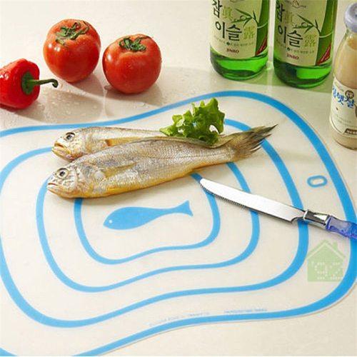 1Pcs Flexible Kitchen Plastic Chopping Block Cutting Board Breadboard Non-slip Frosted Cutting Block 15*20CM
