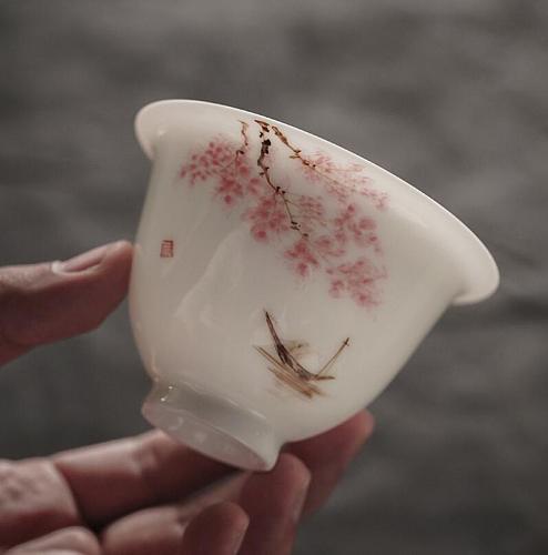 160ml Chinese Tea Gaiwan Blue and White Sakura Porcelain Kung Fu Tea Set Tureen Ceramic Tea Bowl Teacup Cup Saucer Master Cups