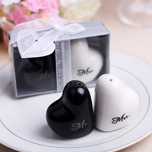 100sets Black and White Ceramic Seasoning Pot Mr&Mrs Salt & Pepper Shakers Wedding&Bridal Shower Favors