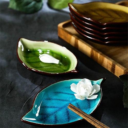 Japanese Ice Crack Leaf Shape Ceramic Snack Dish Gravy Boat Under Glaze Porcelain Dinner Plate Spicy Sauce Dish Sushi Cake Tray