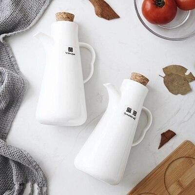 Ceramic Dispenser for Oil Pourer Bottle Glass Olive Oil Bottle Pot Leak proof Sauce Vinegar Bottle Gravy Boat sauce bottle