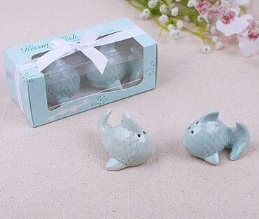 200pcs=100set/lot Wedding Gifts Ceramic Kissing Fish Salt And Pepper Shaker