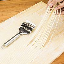 1pc Pressing Machine Non-slip Handle Kitchen Gadgets Spaetzle Makers Noodles Cut Knife Manual Section Shallot Cutter #T1P