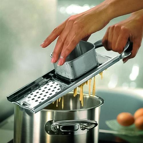1Pc Stainless Steel Noodle Maker Manual Noodle Machine Multifunctional Gnocchi Dumpling Noodle Machine (Silver Black)