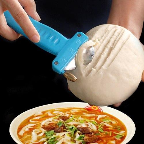 Manual Noodles Slitting Knife Kitchen Gadgets Spaetzle Maker Noodles Cutter Knife Flour Dough Mat Noodles ramen Cutting Tool