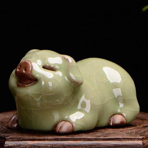 2021 Creative Purple Clay Ge Kiln Tea Pet Ceramic Pig Cow Office Desk Decoration Jewelry Can Raise Kung Fu Tea Ceremony Gifts