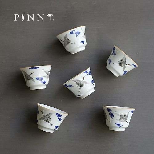 PINNY Blue And White Porcelain Teacups Carved The Crane Ceramic Tea Cups Chinese Kung Fu Tea Service Hand Made Drinkware