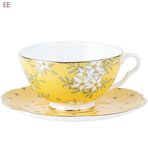 Bone China Coffee Cup Saucer Set English Afternoon Teacup Hand Painted Gold Luxury Pottery Strainer Taza Cafe Wedding Gift E5