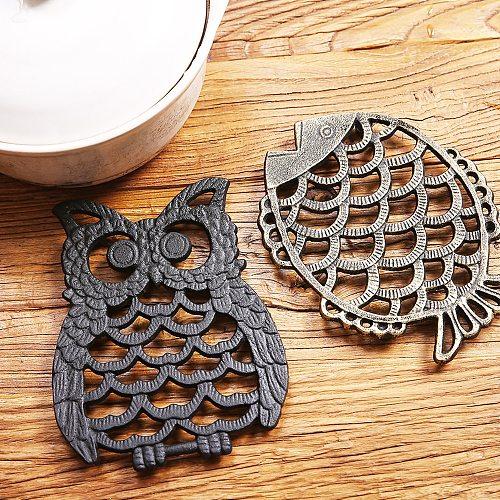 1pc Cast Iron Teapot Trivet Vintage Flower/Owl/Fish/Snowflake Round Pot Holder Hollow Mat Insulation Pad Table Decor Kitchen