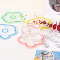 1pcs Korean Style Multicolor Flower Coaster Transparent Acrylic Coaster Cute Animal Fruit Flowers Cup Mat Household Kitchen Tool