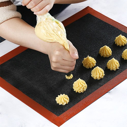 30x40cm Hot Sale Perforated Silicone Baking Mat Non-Stick Baking Oven Sheet Liner For Cookie /Bread/ Macaroon/Biscuits Bakeware