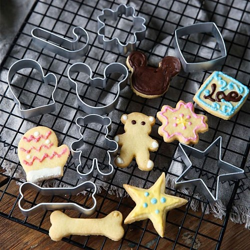 30 Styles Cookie Mold Biscuit Fondant Pastry Cutter Animal Shapes Cake Decorating Accessories DIY Baking Tools kitchen Gadgets