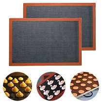 Perforated Silicone Pastry Mat Nonstick Baking Mat Heat Resistant Oven Sheet Liner For Cookie /Bread/ /Biscuits/Puff/Eclair