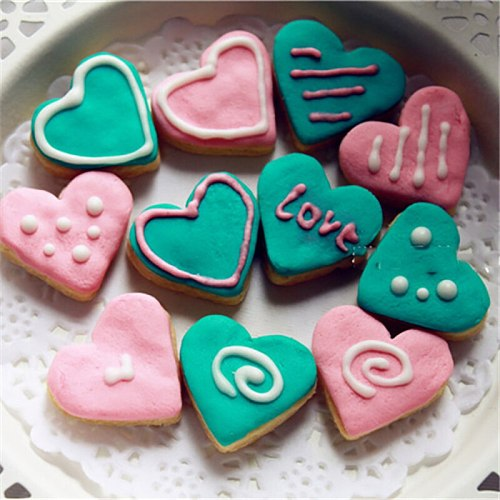 4pcs Plastic Heart Shape Cookies Cutters Fondant Cake Decorating Tools Mold Sugarcraft Candy Biscuit Mold Kitchen Bakeware Tools