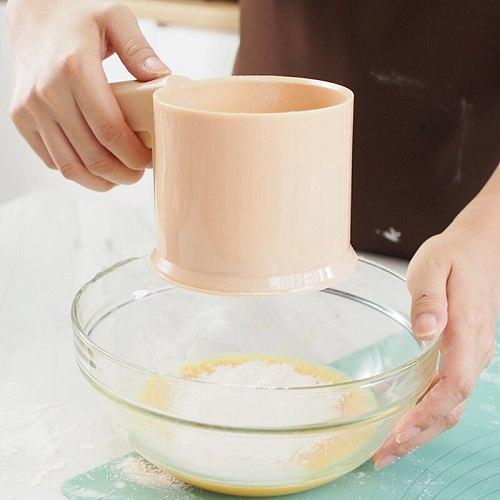 Flour Sieve Cup Powder Sieve Mesh Kitchen Gadget for Cakes Hand-Screened Sugar Mesh Sieve Baking Sieve Strainer