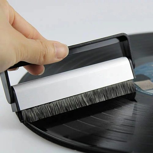 Vinyl Record Cleaning Brush Anti Static Carbon Fiber LP Record Turntable Brush Antique Gramophone Cleaning Supplies