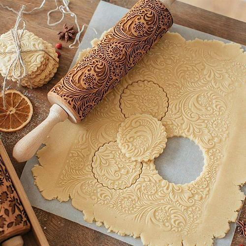 New Christmas Rolling Pin Wooden Christmas Engraved Carved Embossing Rolling Pin Dough Stick Baking Pastry Gadgets Kitchen Tools