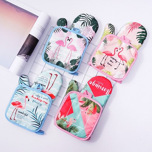 2PCS 1 Set Cotton Fashion Flamingo Kitchen Pad Cooking Microwave Baking BBQ Oven Potholders Oven Mitts Kitchen Gloves Mitts