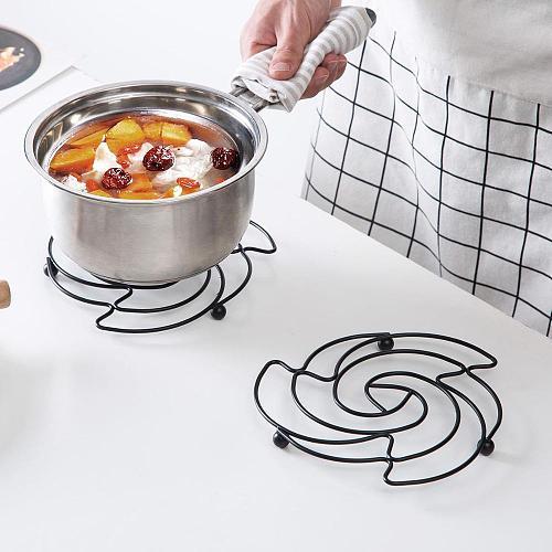 OTHERHOUSE Iron Placemat Pan Pot Mat Holder Stand Hot Round Placemats Cookware Mats Drink Coasters Kitchen Gadgets