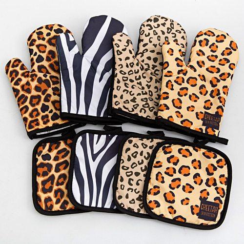 1 Set Kitchen Gloves Insulation Leopard Pattern Pad Cooking Microwave Gloves Baking BBQ Oven Potholders Oven Mitts Potholder Pad