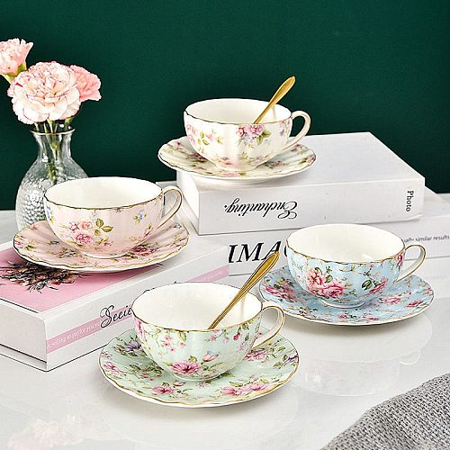 25 Colors Bone China Coffee Cup Saucer Spoon Set Flower Tea Cup Set European Porcelain Cup and Saucer For Coffee Mug Gift