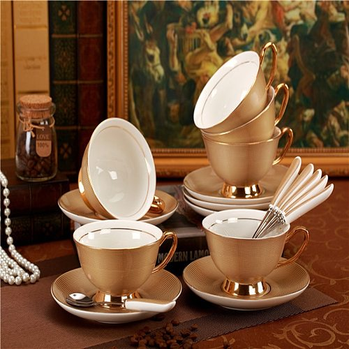Gold Luxury Ceramic Cup and Saucer Royal Porcelain Simple Tea Sets Modern Design Coffee Cups Tazas Para Cafe Kitchen Drinkware