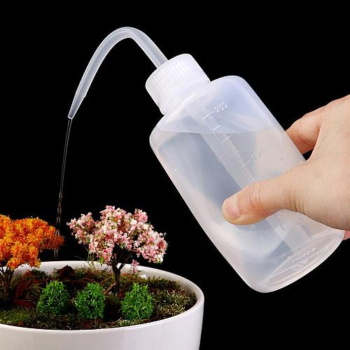 Plastic Sharp Beak Elbow Washing Cleaning Spray Squeeze Bottle for water alcohol  plant nutrient watering Can Pot #604