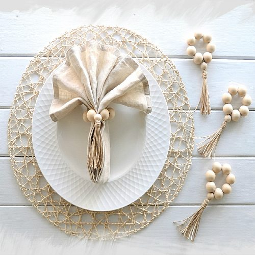 4 pcs Wood Bead Napkin Rings with Tassels Rustic Farmhouse Wood Beads Garland Wall Hanging Weddings Home Decor Table Decoration
