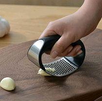 1pcs Stainless Steel Garlic Press Manual Garlic Mincer Chopping Garlic Tools Curve Fruit Vegetable Tools Kitchen