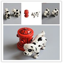 2pice creative ceramic ornaments hydrant pee dog seasoning bottle cute beef pepper pot kitchen spice storage bottle funny gift