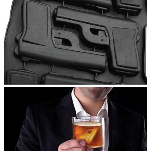 Ice Cube Maker Mold Plastic Large Ice Cream Tub Set Tools Gun Shaped Ice Cube Tray Mould for Party Drink Whiskey Random Color