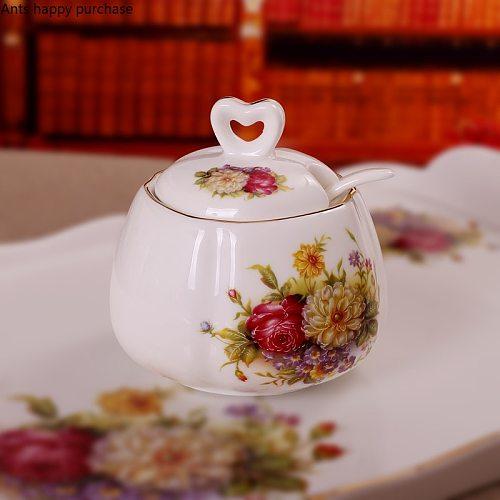 Kitchen Supplies Ceramic Seasoning Jar White Seasoning Tank with Lid with Spoon Pepper Salted Refined Sugar Seasoning Box