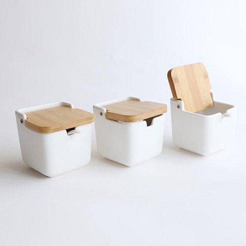 European-style creative ceramic flip seasoning pot seasoning bottle salt pot kitchen supplies seasoning pot spice jar