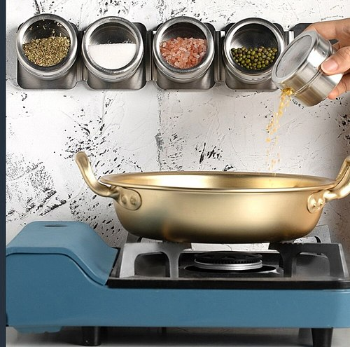 It is convenient to take and does not occupy space seasoning box Super adsorption capacity seasoning tank kitchen uniform discha