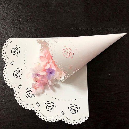 100PCS Lace Flower Petal Cones Paper Cones Holder Candy Wedding Confetti Cones for Petals Lavender Wedding Favor Confetti Toss