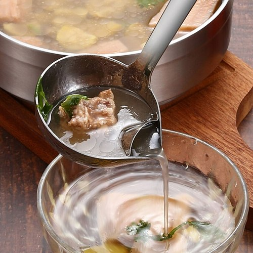 Stainless Steel Soup Spoon Long Handle Soup Fat Oil Separator Ladle Oil Filter Skimmer Spoon for Home Kitchen Restaurant