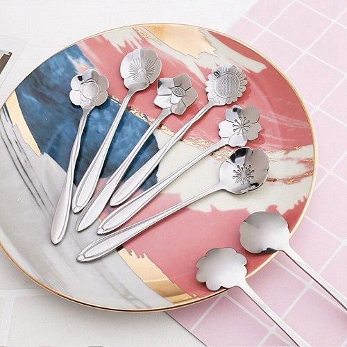 8pcs/set Stainless Steel Christmas Tableware Coffee Spoons Ice Cream Dessert Spoon Flower Cherry Coffee Spoon Mixing Spoon
