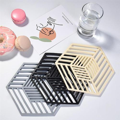 Hollow Insulation Coaster Rubber Trivet Mat Heat Insulating Hollow Pot Holder Mat Non-Slip Hexagon Pot Pads For Kitchen Supplies
