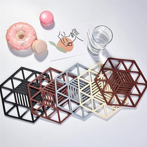 Rubber Trivet Mat Heat Resistant Coaster Pot Holder  Geometric Hollow Drink Cup Mat Table Placemats Kitchen Accessories