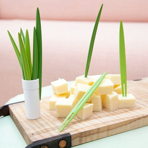 Creative 10pcs/Set Green Bamboo Leaf Fruit Fork Chopsticks Cocktail Fork  Wedding Festival Birthday Kitchen Gadget Fruit Tools