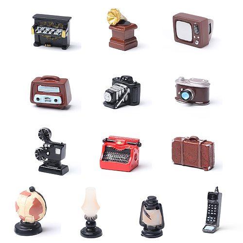 1PC Resin Retro Dollhouse Ornaments Toy Home Decor Telephone Mini Pianos TV Model Furniture Figurine Cute Vintage Miniatures