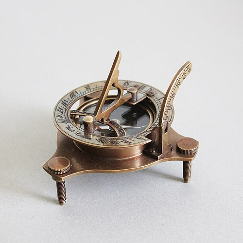 Handmade Nordic  Brass Navigation Sundial with Compass Compass Navigation Vintage Ornament Decoration Design Lucky Artwork