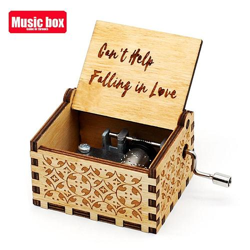 HOT Antique Carved Wooden Hand Crank Sailor Moon The Friends Music Box Musical box Festival Souvenir Gift New Year Chritmas Gift