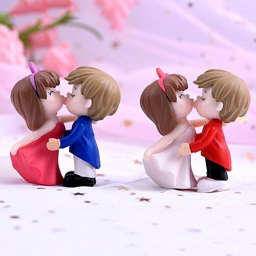 New Boy Girl Home Decor Sweety Lovers Couple Chair Figurines Miniatures Terrariums Fairy Garden Moss Children Toy Resin Crafts