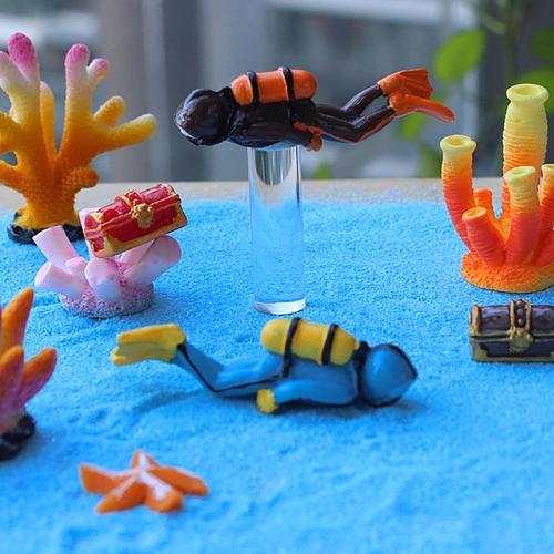 Ocean Diving Diver Action Figure Miniature Sea Animal Model Humpback Whale Shark Aquarium Decor Fish Tank Accessory Figurine Toy