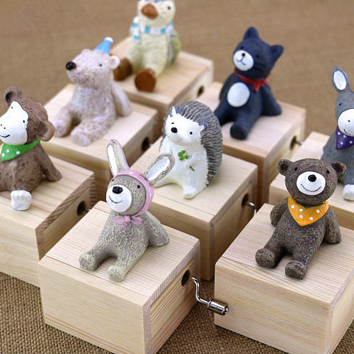 Wooden Hand Cranked Music Boxes Creative Wood Cute Animal Crafts Baby Room Decor Birthday Party Kids Gift Music Box 8.3*5.4*8cm