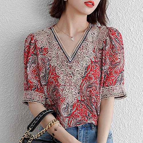 M-4XL Casual Women Chiffon shirt V-neck Short-sleeved embroidery top Plus size Hollow out Floral Printed Blouse