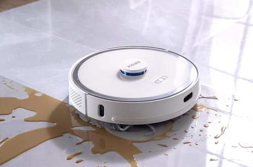 Hands-Free Dust Collecting Robotic Vacuum