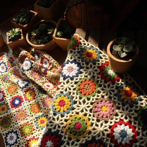 Handmade Round Daisy Crochet Flower Wool Blanket