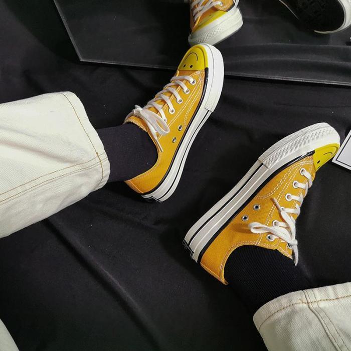 Women's Fashion Casual Cartoon Smiley Solid Color Canvas Sneakers